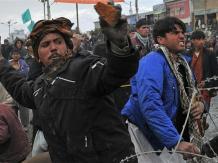 Gwałtowne protesty w Afganistanie po spaleniu Koranu w amerykańskiej bazie
